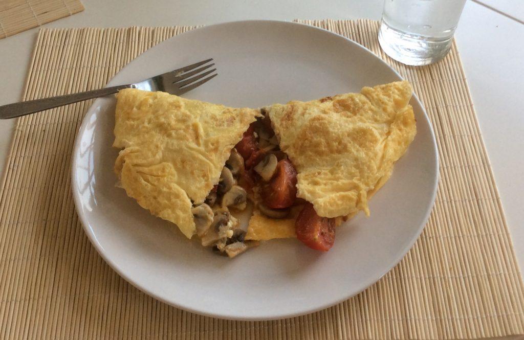 egg omelette tomatoes mushroom
